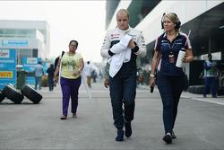 Valtteri Bottas, Williams with Sophie Eden, Williams Press Officer