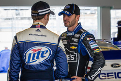 Brad Keselowski, Penske Racing Ford and Jimmie Johnson, Hendrick Motorsports Chevrolet