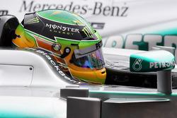 Lewis Hamilton, Mercedes AMG F1 W04 in parc ferme