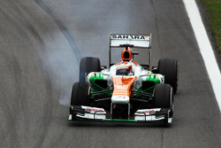 F1: Paul di Resta, Sahara Force India VJM06 locks up under braking