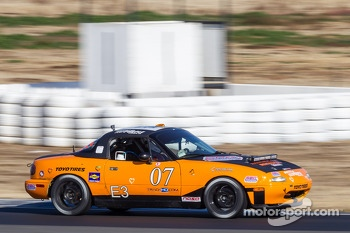 #07 Sampson Racing Radios/Pacific Throttle House Mazda Miata: Bug Amani, Tim Auger, Shawn Sampson, Mike Sweeney