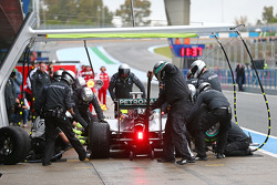Nico Rosberg, Mercedes AMG F1 W05 makes a pit stop