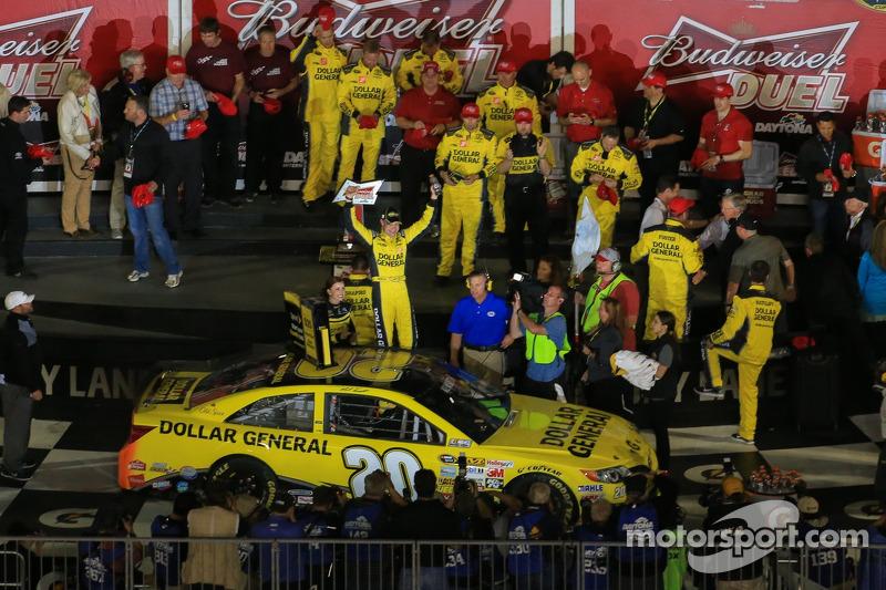 Matt Kenseth, Joe Gibbs Racing Toyota celebrates