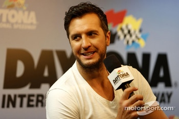 Pre-race musical act Luke Bryan