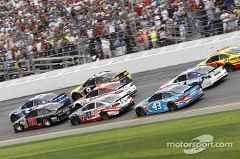 Race action, Josh Wise, Phil Parsons Racing Ford, Dale Earnhardt Jr., Hendrick Motorsports Chevrolet, Aric Almirola, Richard Petty Motorsports Ford