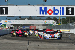 Start: #5 Action Express Racing Corvette DP Chevrolet: Joao Barbosa, Christian Fittipaldi, Sébastien Bourdais leads