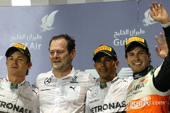 Lewis Hamilton, Mercedes AMG F1 Team and Nico Rosberg, Mercedes AMG F1 Team and Sergio Perez, Sahara Force India  06