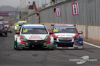 Tiago Monteiro, Honda Civic WTCC, Castrol Honda WTC Team and Dusan Borkovic, Chevrolet RML Cruze TC1, NIS Petrol by Campos Racing