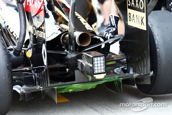 Flow-vis paint on the Lotus F1 E22 rear diffuser