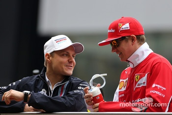 Valtteri Bottas, Williams F1 Team and Kimi Raikkonen, Scuderia Ferrari