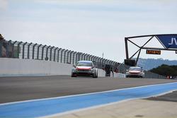 Jose Maria Lopez, Citroën C-Elysee WTCC, Citroën Total WTCC leads Yvan Muller, Citroën C-Elysee WTCC, Citroën Total WTCC