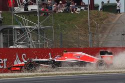 Max Chilton, Marussia F1 Team MR03 runs into the gravel trap