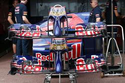 Scuderia Toro Rosso STR9 front wings