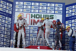 Podium: race winners Simon Dolan, Harry Tincknell, Filipe Albuquerque, second place Jan Charouz, Vincent Capillaire, third place Nelson Panciatici, Oliver Webb, Paul Loup Chatin