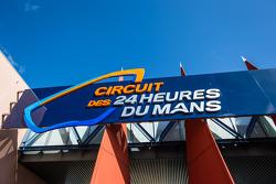 Circuit des 24 Heures du Mans track main entrance
