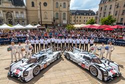 #20 Porsche Team Porsche 919 Hybrid: Timo Bernhard, Mark Webber, Brendon Hartley;#14 Porsche Team Porsche 919 Hybrid: Romain Dumas, Neel Jani, Marc Lieb