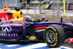 Sebastian Vettel, Red Bull Racing RB10 with flow-vis paint on the sidepod