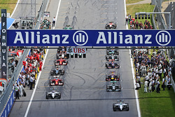 Pole sitter Felipe Massa, Williams FW36 leads the field away on the formation lap