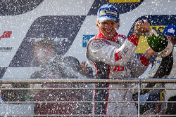 Podium: champagne for Markus Winkelhock