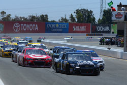 Start: Jamie McMurray leads