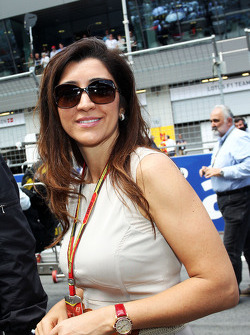 Rafaela Bassi, wife of Bernie Ecclestone, on the grid