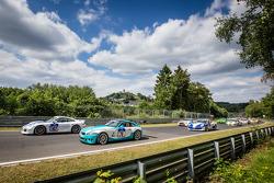 Start: #167 Aesthetic Racing Porsche 911: Tveten Stein, Niko Nurminen and #76 BMW Z4 M: Heiko Hedemann, Kevin Warum, Guido Schuchert, Dirk Vleugels