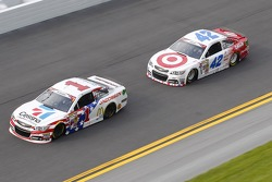 Jamie McMurray, Ganassi Racing Chevrolet and Kyle Larson, Ganassi Racing Chevrolet