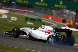 F1: Felipe Massa, Williams FW36 with a damaged rear suspension and wheel at the start of the race
