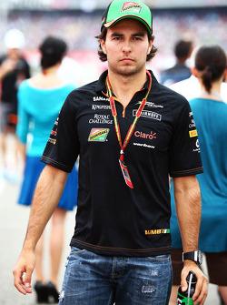 F1: Sergio Perez, Sahara Force India F1 on the drivers parade