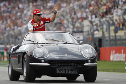 F1: Fernando Alonso, Ferrari on the drivers parade