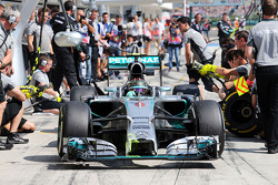 F1: Nico Rosberg, Mercedes AMG F1 W05 practices a pit stop
