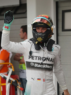F1: Nico Rosberg, Mercedes AMG F1 celebrates his pole position in parc ferme