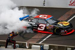 NASCAR-NS: Ty Dillon celebrates
