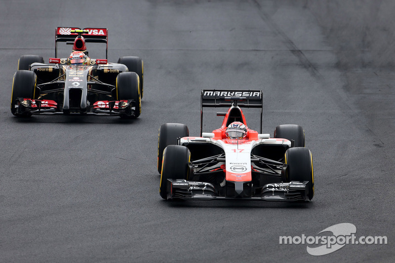 Jules Bianchi, Marussia F1 Team  and Pastor Maldonado, Lotus F1 Team