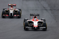 F1: Jules Bianchi, Marussia F1 Team  and Pastor Maldonado, Lotus F1 Team