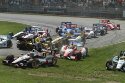 INDYCAR: Tony Kanaan, Chip Ganassi Racing Chevrolet spins