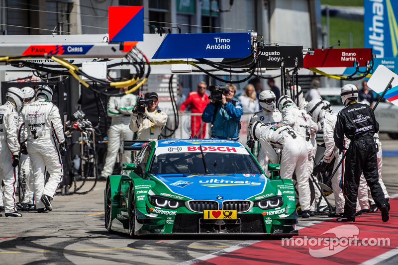 Pit stop for Augusto Farfus, BMW Team RBM BMW M4 DTM
