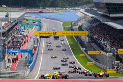 Antonio Giovinazzi, Jagonya Ayam with Carlin Dallara F312 Volkswagen leads the field on formation lap