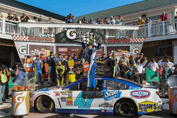 Race winner A.J. Allmendinger, JTG Daugherty Racing Chevrolet