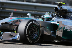 F1: Nico Rosberg, Mercedes AMG F1 W05 with tyre debris attached to his antenna