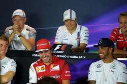 F1: (L to R): Fernando Alonso, Ferrari and Lewis Hamilton, Mercedes AMG F1 in the FIA Press Conference