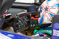 Toyota TS 040 - Hybrid steering wheel