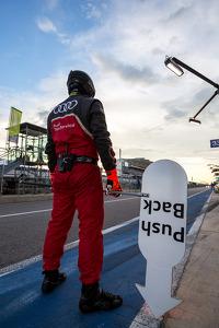 Audi pit crew during qualifying
