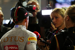 Pastor Maldonado, Lotus F1 Team with the media