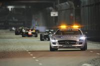 Lewis Hamilton, Mercedes AMG F1 W05 leads behnd the FIA Safety Car