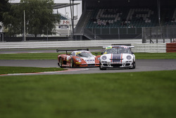 #44 Track Sport Europe Ltd Porsche 997 GT3 Cup: Arjo Ghosh, #7 Mosler MT900 GT3: kevin Riley