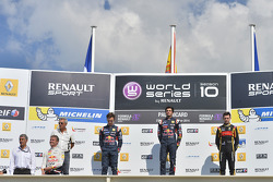 Race winner Carlos Sainz Jr., second place Pierre Gasly, third place Matthieu Vaxiviere