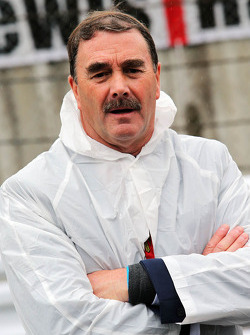Nigel Mansell, on the grid
