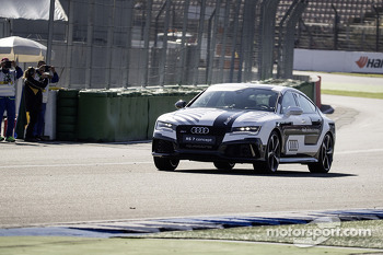 Audi RS7 Pilotless Test Drive