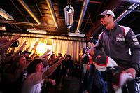 Esteban Gutierrez, Sauber with fans at the Fans' Forum